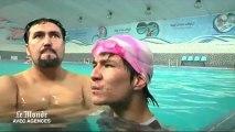 Le combat d'un nageur afghan sans bras pour participer aux jeux paralympiques