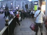Mehran Muslimim in London, Picadilly-circus