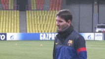 Messi signs Barca contract extension