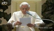 """Benoît XVI : """"Continuez à prier pour moi, pour l'Eglise, pour le futur Pape"""""""