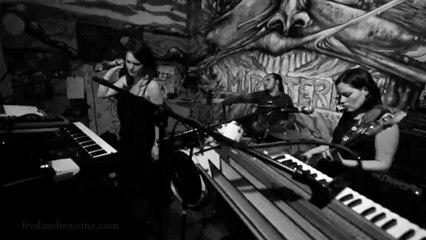 Crimson Muddle - La Rousalka 1 (Alternate Mix 2012)