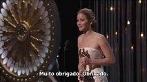 """Legendado: Jennifer Lawrence recebendo o prêmio de """"Melhor Atriz"""" no Oscar"""