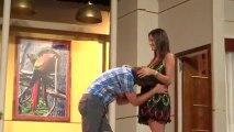Pedro besa la panza de Paula en última función de Viaje de Locura - 03 de Marzo (video grabado por @moiritis)
