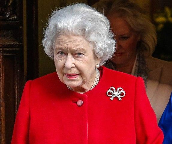 Le zapping Closer.fr : Elizabeth II hospitalisée à cause d'une gastro-entérite