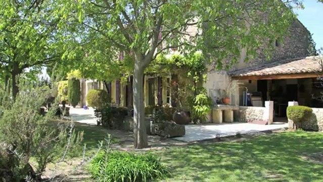 Vente Mas provençal Saint Rémy De Provence - vue Alpilles - piscine - dépendances -  500 m² habitable sur 29 600 m²