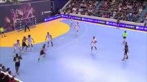 Enorme 1 contre 1 de l'arrière gauche de Dunkerque Erwan Siakam lors de la 17e journée de D1 de handball