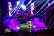 Elodie Frege & Charles Aznavour - Parlez Moi D'Amour - In Live - Le 02 - 03 - 2013 -