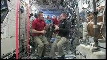 Le Canadien Chris Hadfield aux commandes de l'ISS