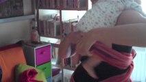 Allaiter Mobile : positioner bébé en position hamac en écharpe.