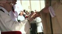 Silberner Fischerring: Papst auch bei Insignien bescheiden