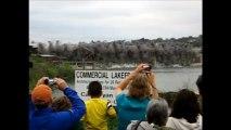 Vivez la destruction d'un pont vieux de 77 ans en slow motion