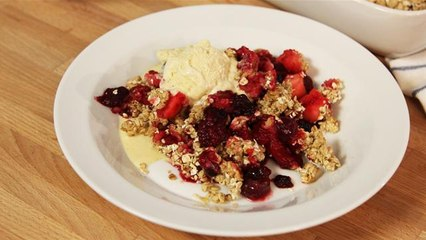 The Lighter Option: Apple And Berry Oaty Crumble