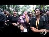 Indonesia, chiesa demolita davanti ai fedeli in lacrime. Musulmani di Bekasi accusano: costruita senza autorizzazione