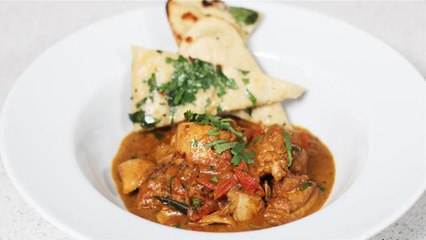 Winter Warmers: One Pot Chicken Curry With Garlic Herb Naan Breads