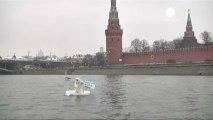 Un ours polaire devant le Kremlin pour défendre l'Arctique