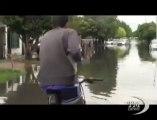 Argentina, strade come fiumi dopo le inondazioni - VideoDoc. La Plata sommersa dall'acqua, ci sposta in canoa o gommone