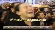 Entrée des cercueil des martyrs de Koussous (Qaloubiya) à la Cathédrale du Caire, et cris des mères des martyrs