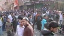 Egypte : les coptes enterrent leurs morts après des affrontements avec les musulmans