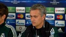 """Mourinho: """"Casillas está entrenando no bien, sino muy bien"""""""