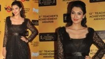 Yukta Mookhey In Black Dress @ 12th Teachers Achievement Awards