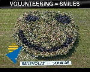 Largest human smiley  Record d'Europe du plus grand sourire humain. Saint Joseph-La Salle  Lorient
