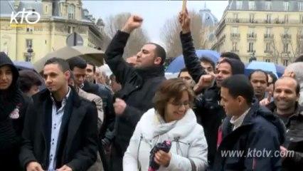 Paris - les Coptes rassemblés pour les Chrétiens d'Egypte