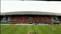 Van Bommel lässt es krachen, PSV bleibt an Ajax dran