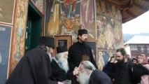 Parintele Justin Parvu dupa slujba la Manastirea Petru Voda, 21 Aprilie 2013