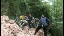 L'armée chinoise poursuit ses recherches après le...