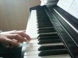 """Musique """"Pirate des Caraïbes"""" au piano à une main!"""