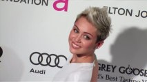 Miley Cyrus Removes Engagement Ring After Fighting With Liam Hemsworth