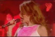 Kylie Minogue & Ricky Martin - live - Livin La Vida Loca 2000