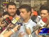 Leopoldo López dice que defenderá a trabajadores públicos pero no responde sobre botados por Ledezma