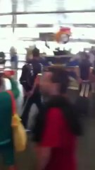 Ultra Naciente recibió a los jugadores en Gando  - Vídeos de La afición de la UD Las Palmas