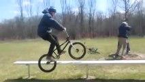 Premier trick à vélo _ Premier fail