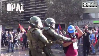 CHILE: BRUTAL REPRESIÓN POLICIAL EN EL DÍA DEL TRABAJADOR