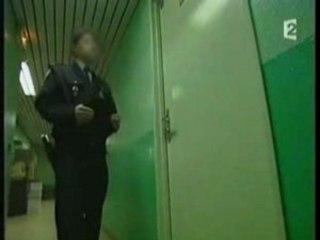 Envoyé Spécial - La police de l'ombre