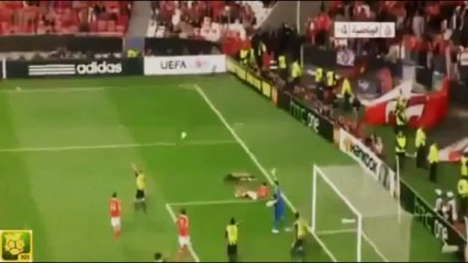 La terrifiante faute de Gaitan au cours de Benfica-Fenerbahce