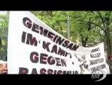 """Germania, gruppo neonazista alla sbarra: manifestanti in piazza. Slogan contro nazismo e razzismo: """"Mai più simili episodi"""""""