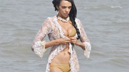 Sexi Judi Shekoni On Beach!