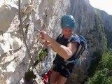 Vidéo de présentation de l'escalade de la via ferrata de la Grotte à Carret en Savoie