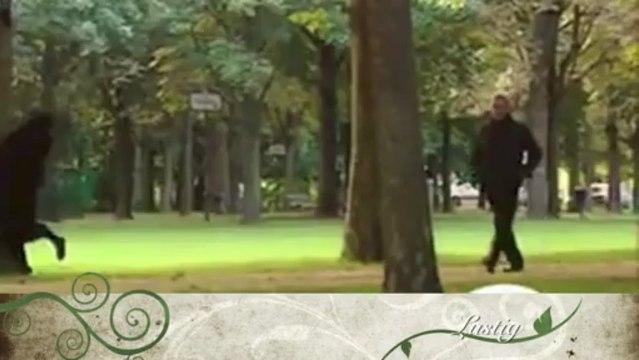 Mit der Burka im Park