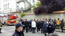 Lyon : Manuel Valls sur le lieu de l'incendie mortel