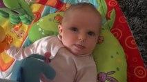 Clara 1 mois et demi - Les premiers sourires