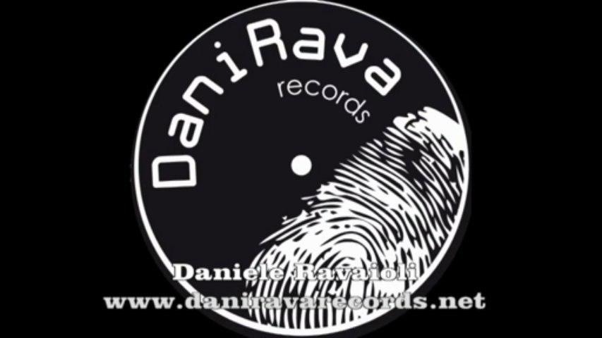 Robin Thicke - Blurred Lines ft. T.I., Pharrell (daniele ravaioli rmx)