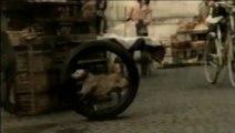 """Publicité Bridgestone - """"Lucky Dog"""" (2008)"""