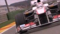 En piste devant la Sauber C30