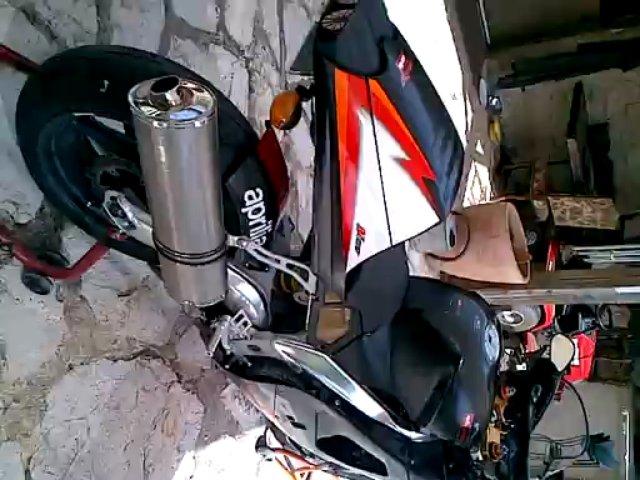 Moto aprilia RSV 1000