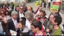 """Grillo porta 420 mila euro alla scuola di Mirandola: """"I politici dove sono?"""""""