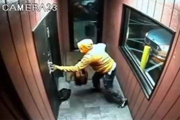 Choc : un homme tire avec un AK-47 dans un club !